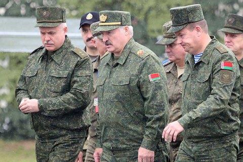 Лукашенко хочет остаться посредником для Украины, но и получить больше оружия от России