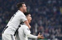 """Роналду в матче против """"Атлетико"""" в Лиге Чемпионов жестом """"а-ля Симеоне"""" показал, что у него есть характер"""