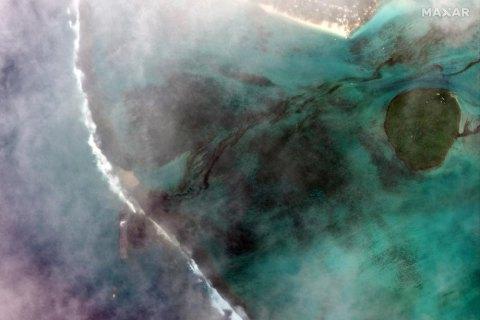 Через розлив нафти на острові Маврикій оголосили режим екологічної НС