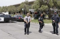 В Техасе преступник катался на машине и стрелял по людям