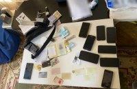 На Київщині затримали банду, яка викрадала елітні авто