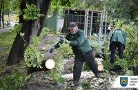 Львів вдруге за тиждень накрила негода, в місті не працює електротранспорт