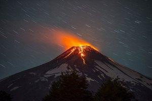 У Чилі стався землетрус і почалося виверження вулкана
