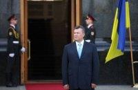 Янукович обязал Азарова написать план работы до президентских выборов