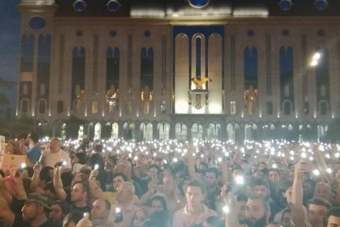 Сеть кинотеатров в Грузии отказалась от кино на русском языке