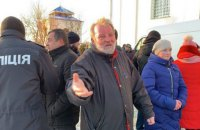 На Волині священик УПЦ МП відкрив стрілянину по активістах біля храму (оновлено)