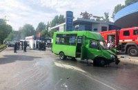 У Харкові в ДТП з нелегальною маршруткою постраждало 10 осіб