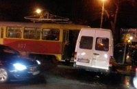 В Запорожье трамвай протаранил маршрутку, есть пострадавшие