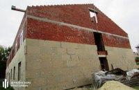Експосадовцю ЗСУ повідомлено про підозру в збитках на 3 млн грн під час будівництва казарм
