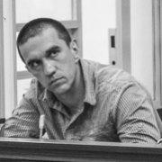 Бездоганний поліцейський: суд допитав потерпілого у справі розгону Майдану 30 листопада