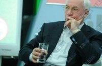 Азаров пожаловался на неэффективность Лавриновича и Табачника