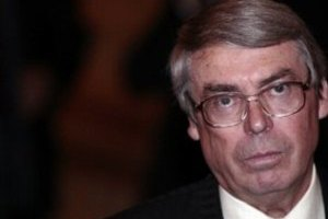 Глава Союза писателей сказал, кого подозревает в поджоге дачи