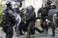 Восемь британских полицейских пострадали в беспорядках в Северной Ирландии