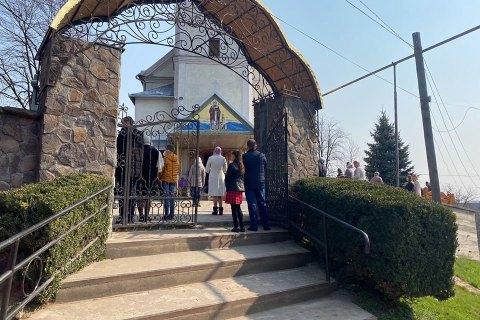 МОЗ пов'язав стрибок захворюваності на коронавірус з відвідуванням храмів на Вербну неділю