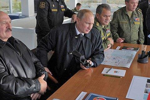 """Порошенко счел военные учения """"Запад-2017"""" угрозой для Украины"""