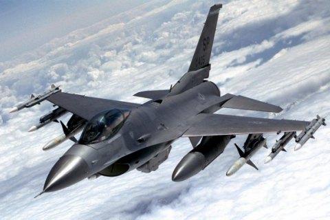 У Туреччині розбився винищувач F-16