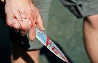 В Киеве грабитель ранил ножом продавщицу продуктового магазина