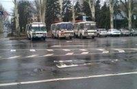 В центр Донецка свозят людей на пророссийский митинг