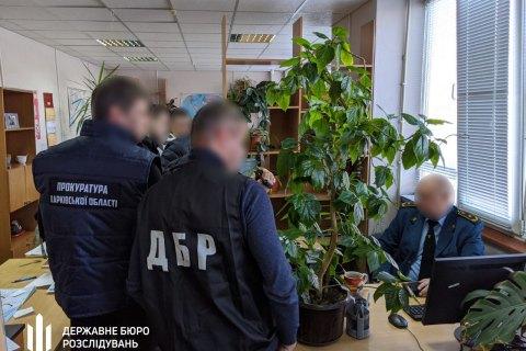 ДБР підозрює головного держінспектора харківської митниці у зловживанні службовим становищем