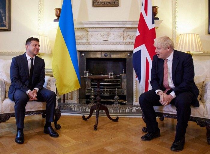 Владимир Зеленский и Борис Джонсон во время встречи на Даунинг-стрит 10 в Лондоне, 8 октября 2020