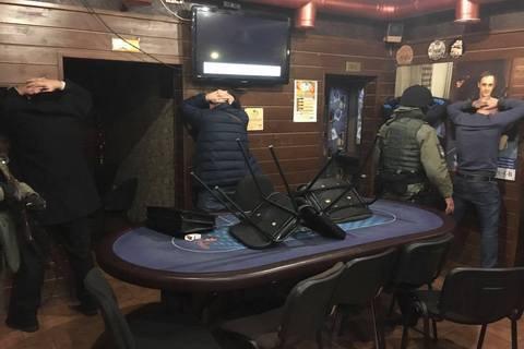 Силовики закрыли крупное казино в Киеве
