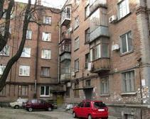 В Днепропетровске телефонный террорист «заминировал» жилой дом