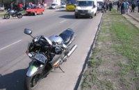 В Киеве мотоциклист сбил насмерть старушку