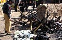 В результате взрыва автобуса в Пакистане погибли 17 госслужащих