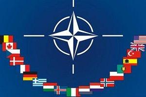 Янукович ведет Украину в НАТО?