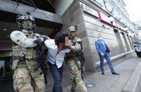 33-річного іноземця, який погрожував підірвати банк у центрі Києва, відправили на примусове лікування