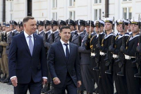 Зеленський готовий зняти мораторій на ексгумацію поляків в Україні