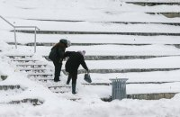 Сніг не дає хабарів. Як же його прибрати?