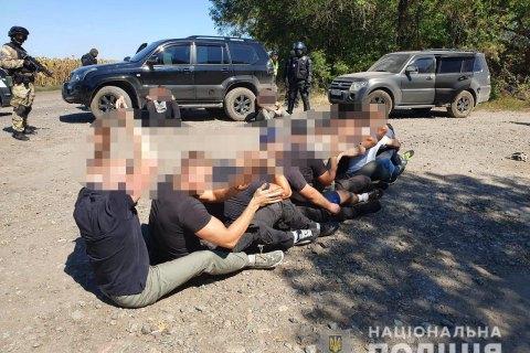 В Харьковской области задержали 15 человек за нападение на государственное опытное хозяйство