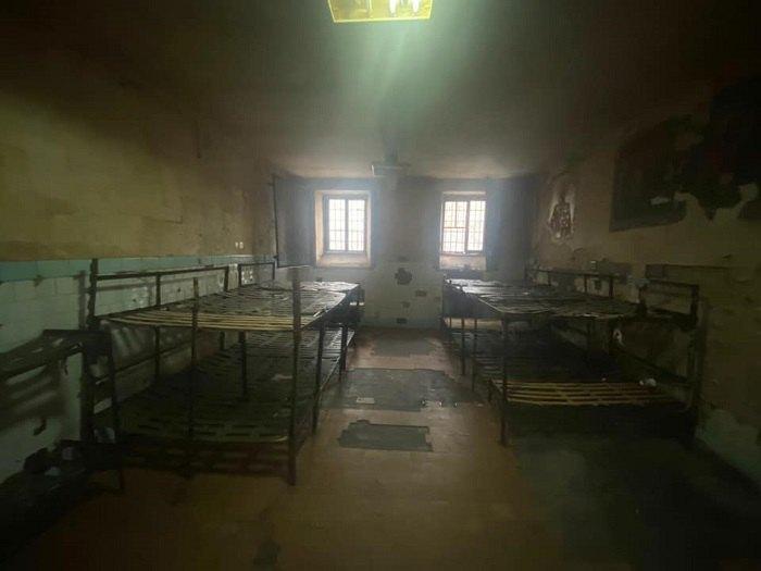 камера Киевского следственного изолятора до ремонта
