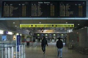 Авиакомпания Lufthansa отменила более 400 рейсов