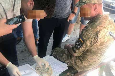 Кадровик ВСУ пойман на взятке за включение в миротворческую миссию в Конго