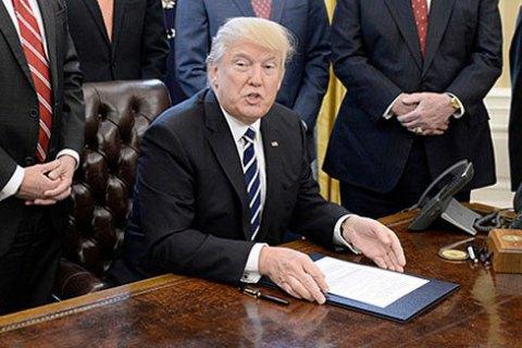 Трамп подписал закон о расширении санкций против России