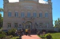 Двум подозреваемым в конфликте с ромами в Ольшанах ужесточили домашний арест