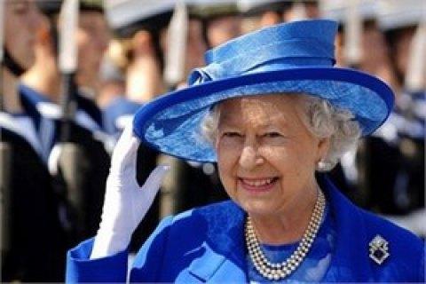 Королева ЕлизаветаII не хочет отказываться отпрестола