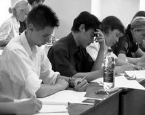 Директор Днепропетровского ПТУ перевыполнил план по матпомощи студентам
