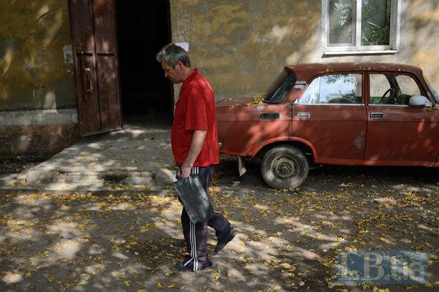 Сергей Хорошилов говорит, что квартиры в доме у химзавода большие