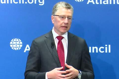 Волкер: спроба повернути Донбас силою стане катастрофою