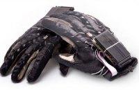 Студенты из Донецка изобрели говорящие перчатки