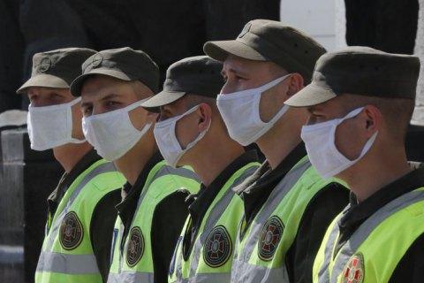 В Киеве полиция составила админпротоколы на два ресторана, которые нарушали карантин