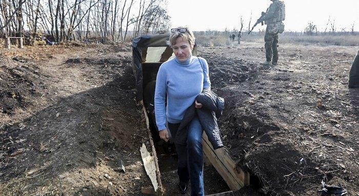 Посол Германии в Украине Анка Фельдгузен на Донбассе, ноябрь 2019 г