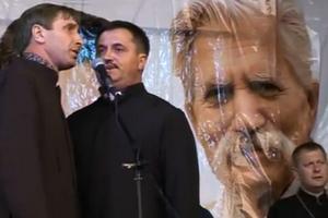 У Миколаєві священики агітують за кандидата в депутати