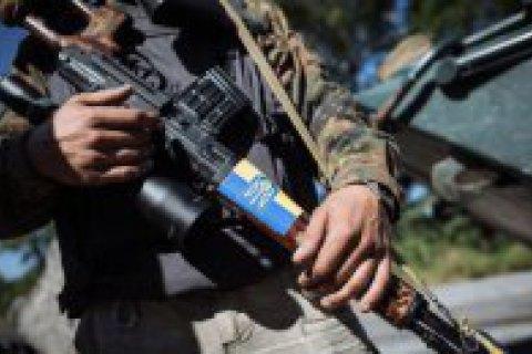 За добу на Донбасі загинув один військовий, троє поранені
