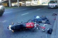 В Киеве пешеход-нарушитель погиб под колесами мотоцикла