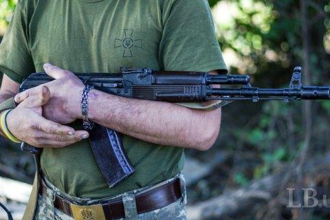 На Донбассе в пятницу восемь военных получили ранения, один из них - погиб