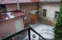 Вулиці Чернівців затопило через сильну зливу